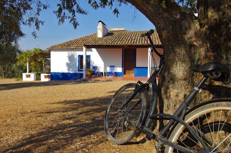 roweru wiejski domowy zdjęcie royalty free