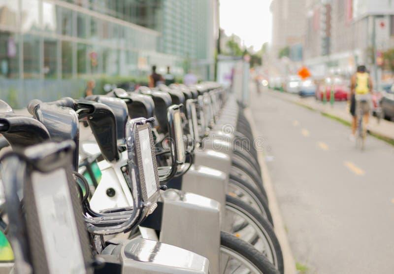 Rowery dzieli w Montreal, Kanada zdjęcie royalty free