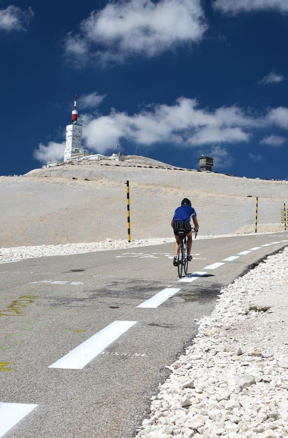 Rowerzysta na Mont Ventoux, tour de france obraz stock
