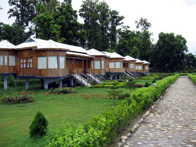Rowhouses mit Garten in Indien stockbild