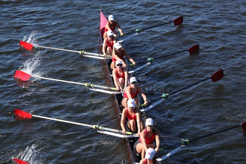 Rowing общины участвует в гонке в голове Чарльза стоковые фотографии rf