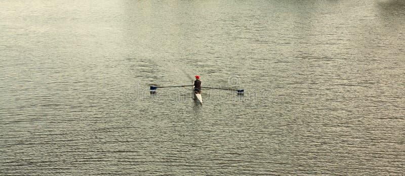 Download Rowing stock afbeelding. Afbeelding bestaande uit actie - 54075055