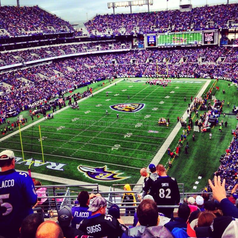 Roxo do futebol do estádio dos corvos de Baltimore foto de stock