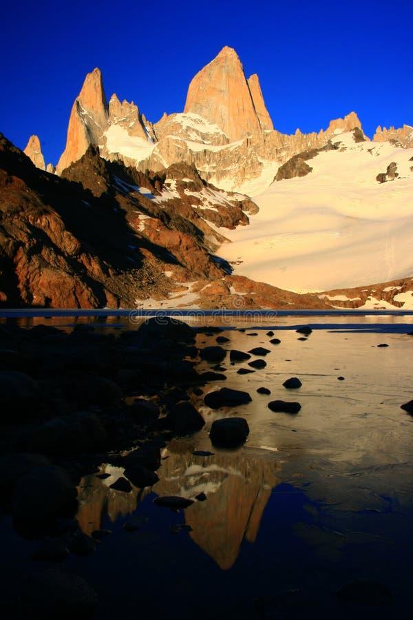 roy för argentina fitzmontering soluppgång fotografering för bildbyråer