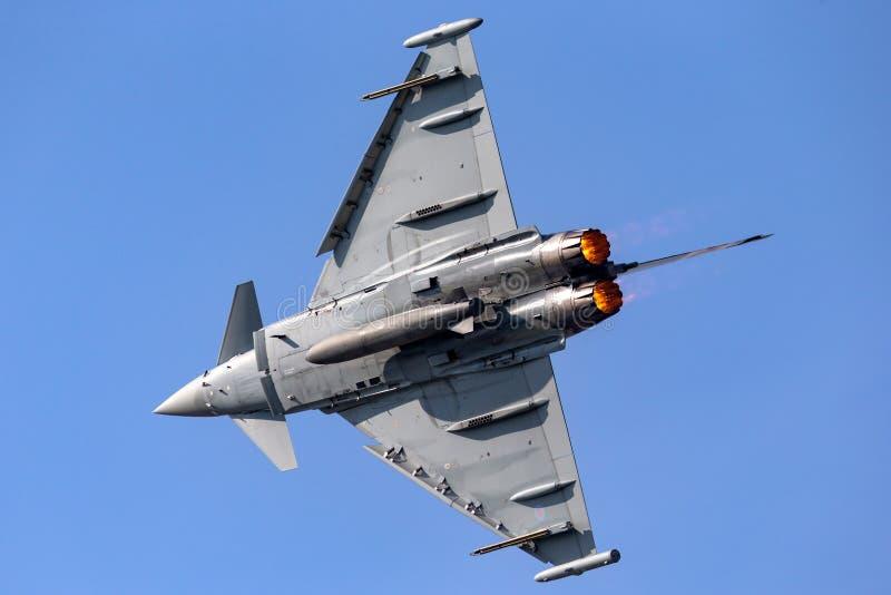 Royal Air Force RAF Eurofighter EF-2000 τυφώνας FGR4 ZK343 από το αριθ. 29R η μοίρα βάσισε RAF Coningsby στοκ εικόνες