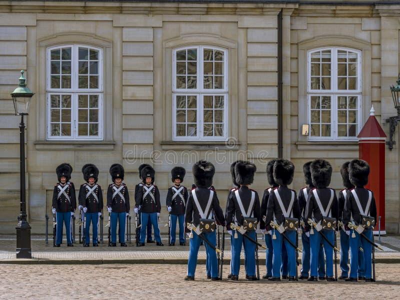 Royal Life Guards in front of Amalienborg Palace, Copenhagen, De royalty free stock photos