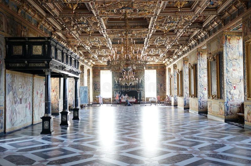 Download Royal Palace stock photo. Image of dining, outside, hall - 32990670