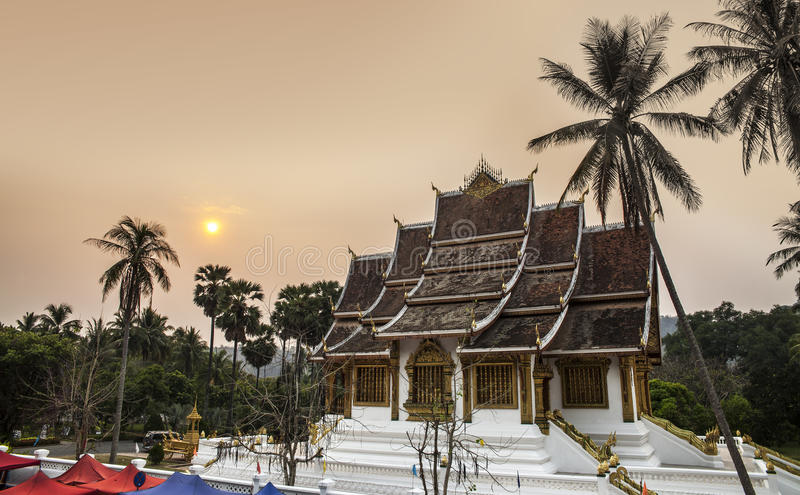 Royal Palace (Haw Kham) & κτύπημα Haw Pha σε Luang Prabang, Λάος. στοκ φωτογραφία με δικαίωμα ελεύθερης χρήσης