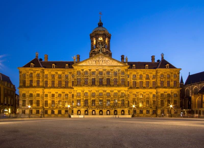 Royal Palace na grobelnym kwadracie w Amsterdam fotografia stock