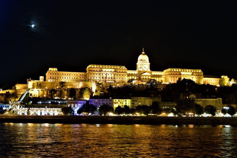 Royal Palace nachts, Budapest stockfotografie