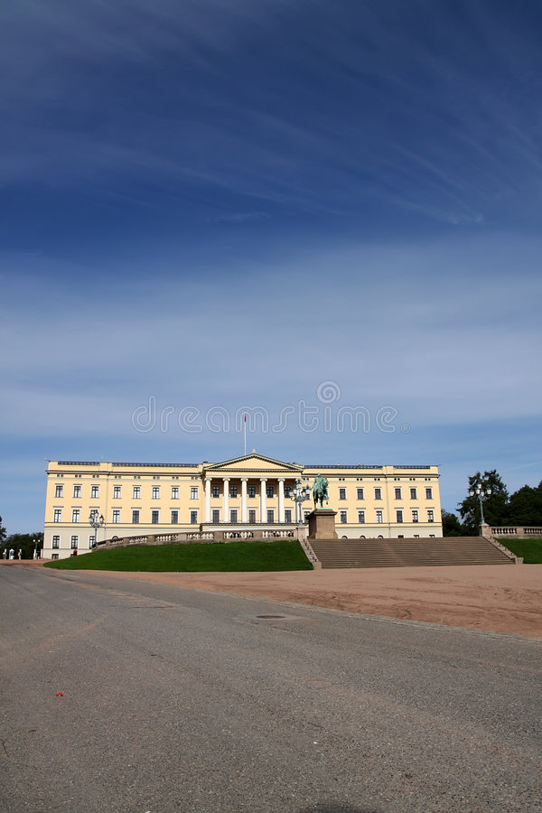 Download Royal palace in Oslo stock image. Image of palace, monument - 7123785