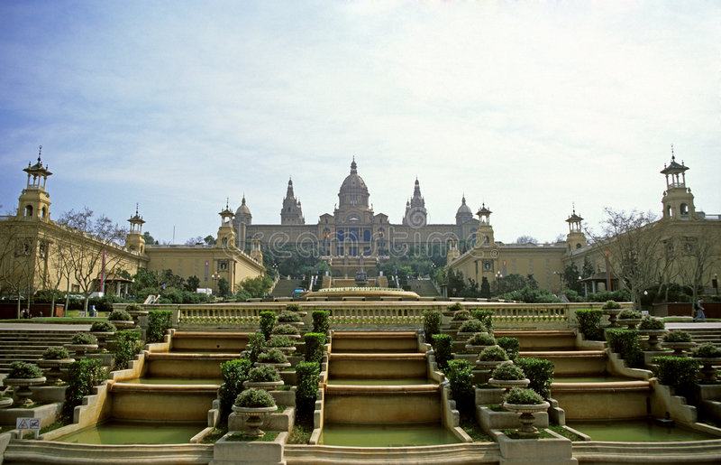 Royal Palace por mañana se enciende fotos de archivo
