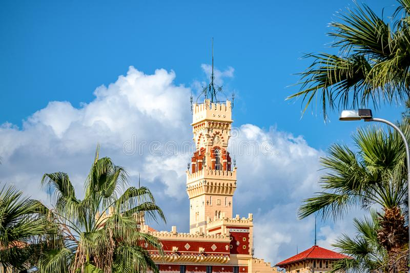 Royal Palace 1930s w turecczyźnie i florentyńczyku projektuje w palma parku obrazy stock