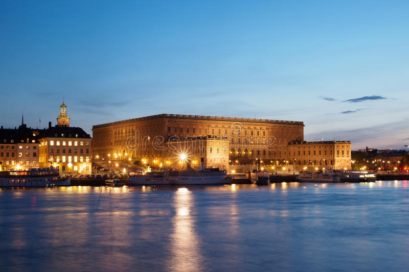 Download Royal Palace In Stockholm At Night Stock Image - Image: 40553631