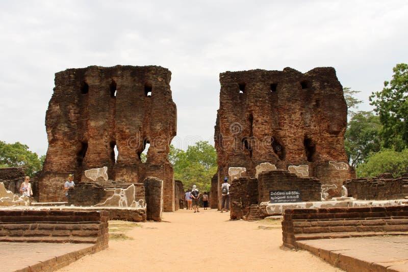 Royal Palace van Koning Parakramabahu in Polonnaruwa Ancien stock afbeeldingen