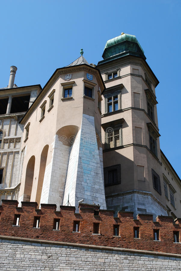 Free Royal Wawel Castle In Cracow Royalty Free Stock Photo - 15183215