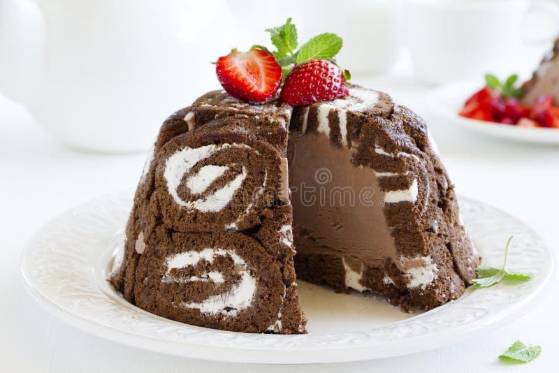 Royale di Charlotte del dolce con il gelato del cioccolato immagine stock libera da diritti