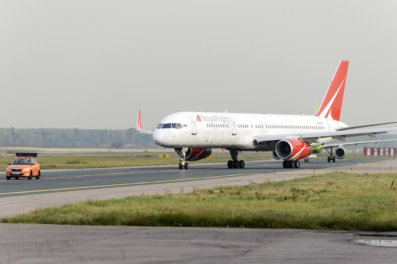 RoyalFlight Boeing 757 taxiing stock images