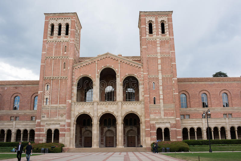 Royce Hall no terreno do UCLA imagens de stock