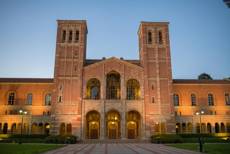 Royce Hall no terreno do University of California, Los Angeles imagem de stock