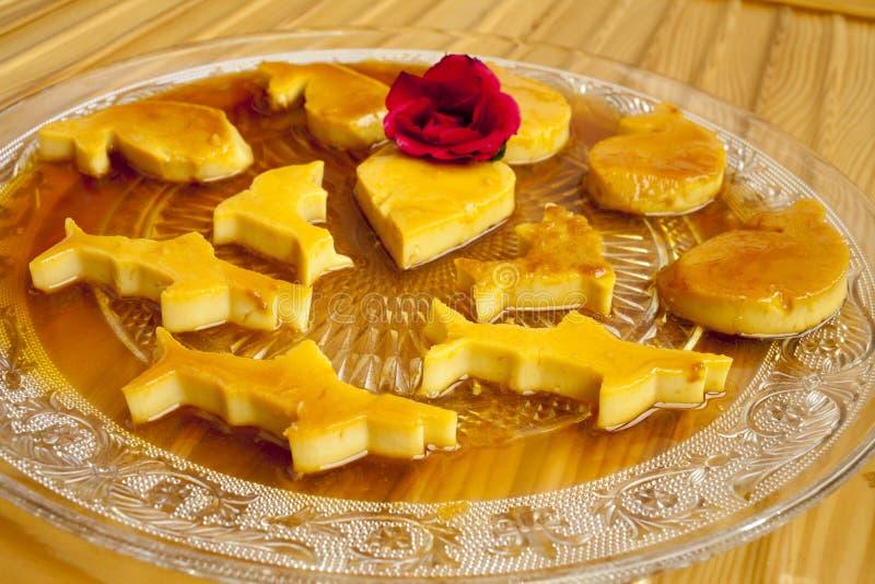 Rozata (roÅ ¾ ata) ist ein traditioneller Kroate/eine dalmatinische Süßspeise lizenzfreie stockfotografie