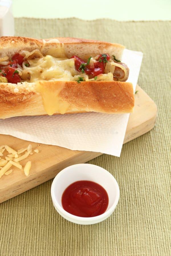 Rozciekły Serowy hot dog obraz stock