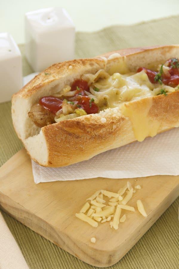 Rozciekły Serowy hot dog fotografia stock