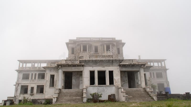 Rozdrobnić ruiny Francuski Kolonialny kasyno zdjęcia stock