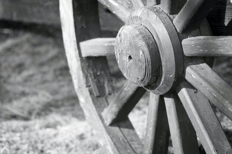 Rozdziela dużego drewnianego koło dla gharry retro zbliżenia obrazy royalty free