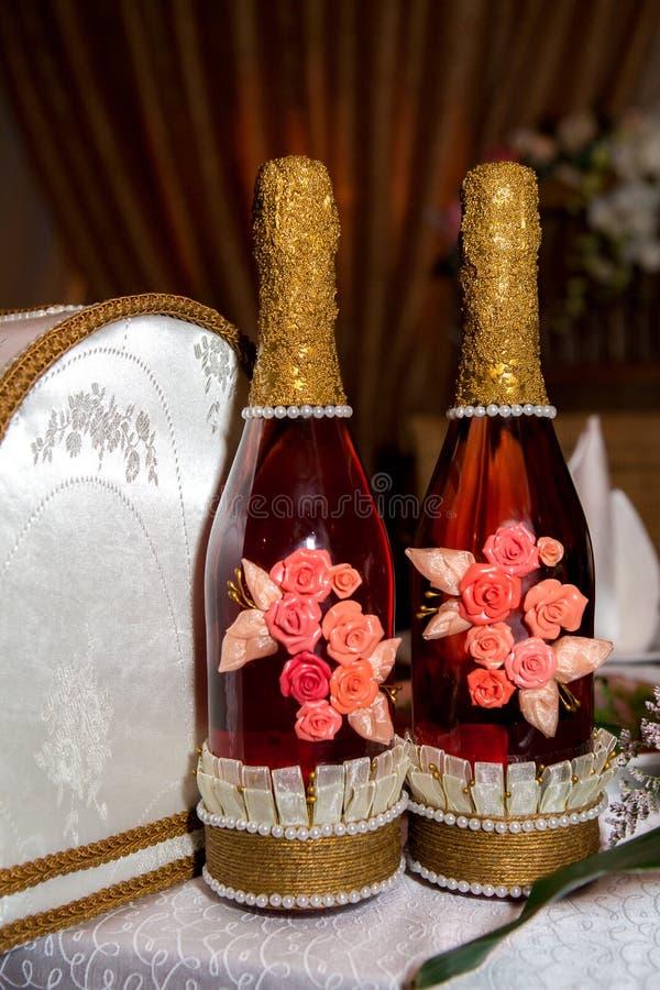Roze champagne klaar voor een viering royalty-vrije stock afbeelding