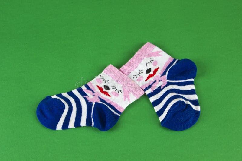 Roze - de sokken van de blauwe baby royalty-vrije stock fotografie