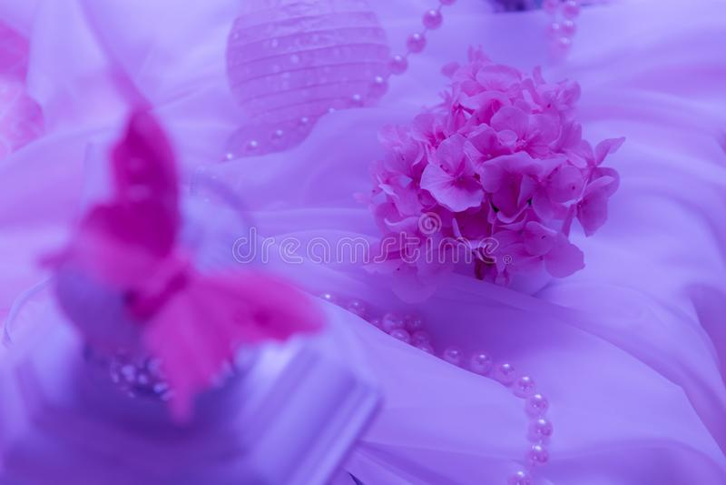 Roze decoartion van de huwelijksbloem stock afbeelding