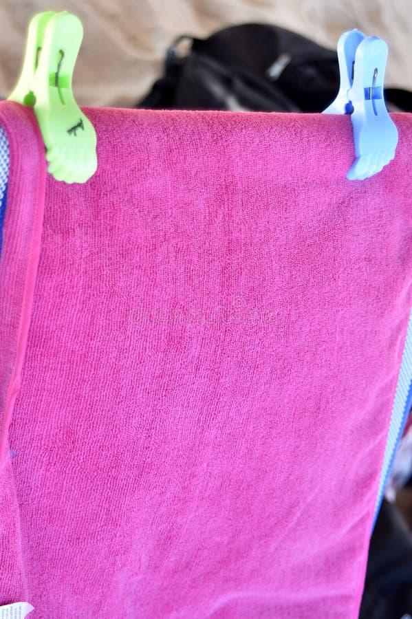 Roze handdoek royalty-vrije stock afbeeldingen