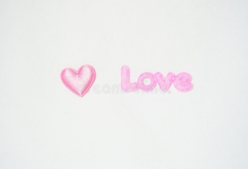 Roze hart en liefdebrief stock afbeelding