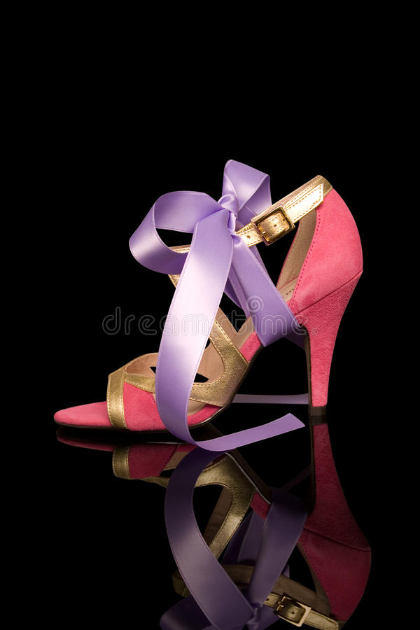 Roze hoog gehielde damesschoen royalty-vrije stock foto