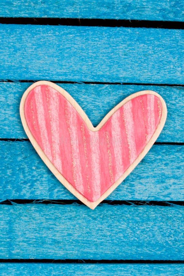 Roze houten hart stock foto