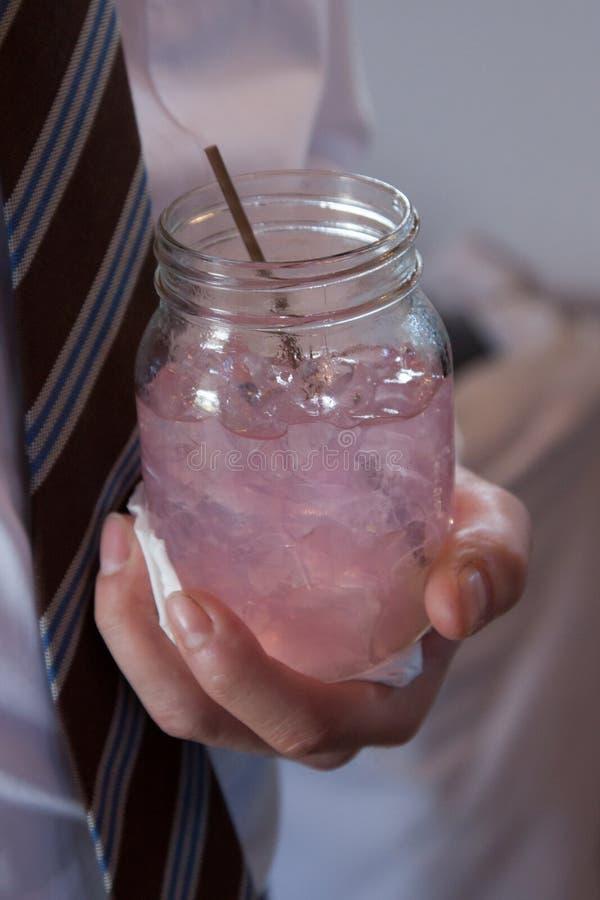 Download Roze Limonade Mason Jar stock foto. Afbeelding bestaande uit stro - 39117546