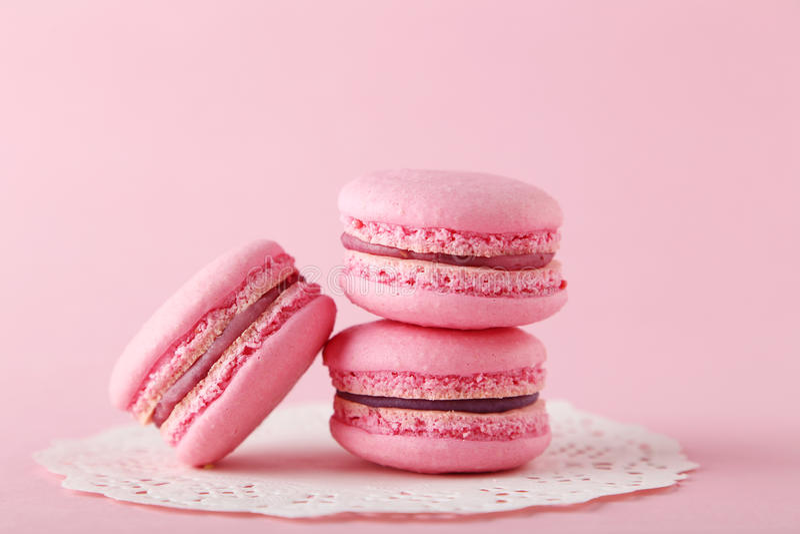 Roze macarons royalty-vrije stock afbeelding