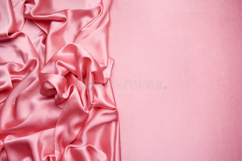 Roze satijnachtergrond royalty-vrije stock foto's