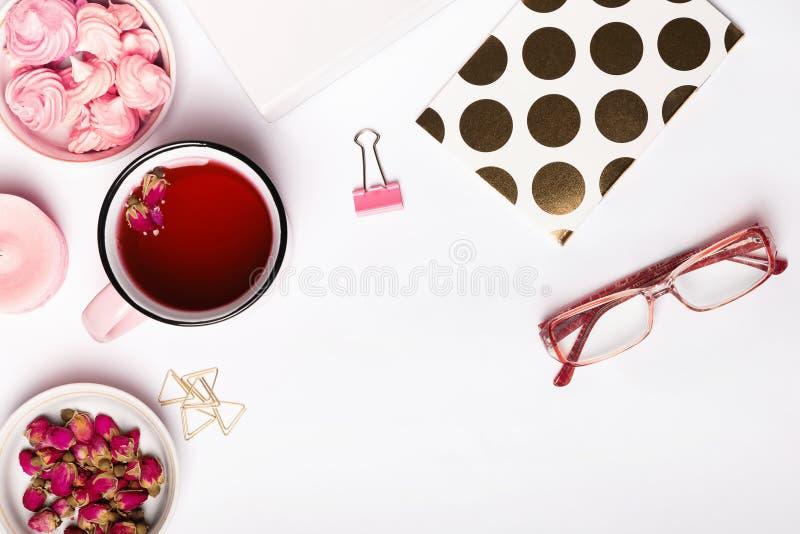 Roze voorwerpen en aftreksel royalty-vrije stock foto
