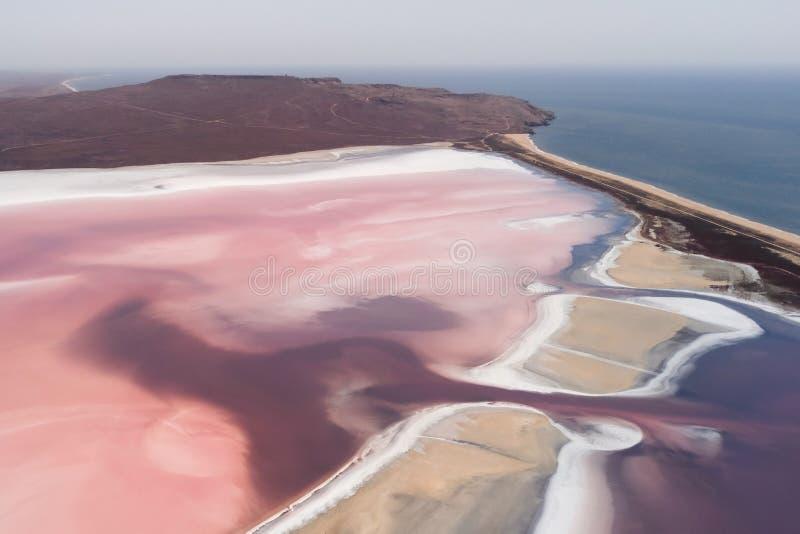 Roze zout het meer luchtpanorama van Koyashskoye stock foto