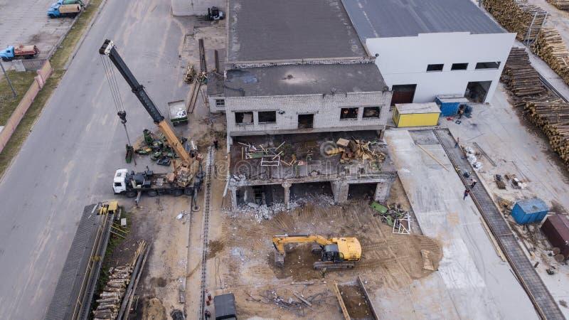 Rozebranie przemysłowego budynku odgórny widok fotografia royalty free