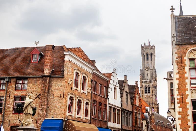 Rozenhoedkaai historisk mitt av Bruges royaltyfria bilder