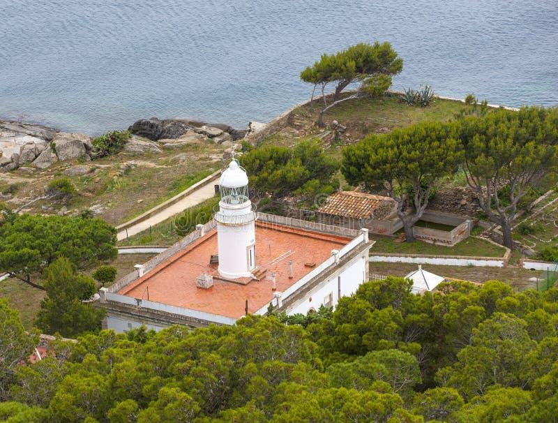 Rozenvuurtoren op noordelijke kust Spanje stock afbeelding