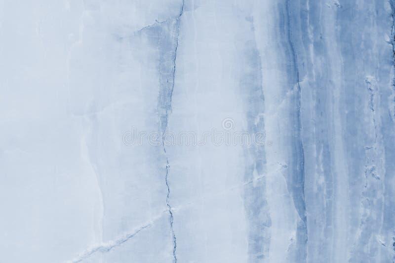 Rozjaśniający błękitnych plasterków marmurowy onyks zdjęcie stock