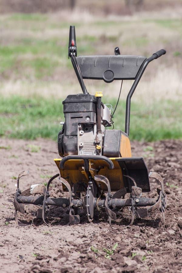 Rozluźnia glebowego kultywatora frontowego widok fotografia royalty free