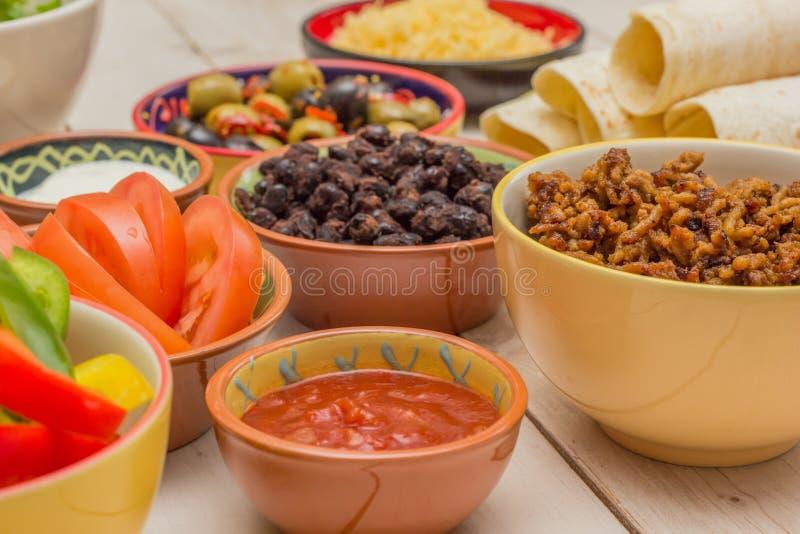 Download Rozmaitość Składniki Robić Meksykańskim Burritos Zdjęcie Stock - Obraz złożonej z kumberland, jedzenie: 42525778