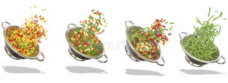 Rozmaitość zamarznięci warzywa w colanders - biały tło obrazy royalty free
