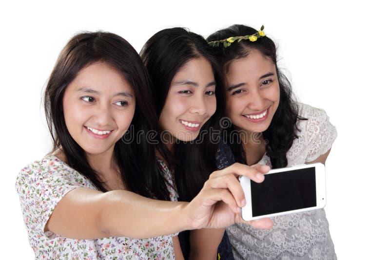 Rozochocony dziewczyna wp8lywy selfie zdjęcia stock