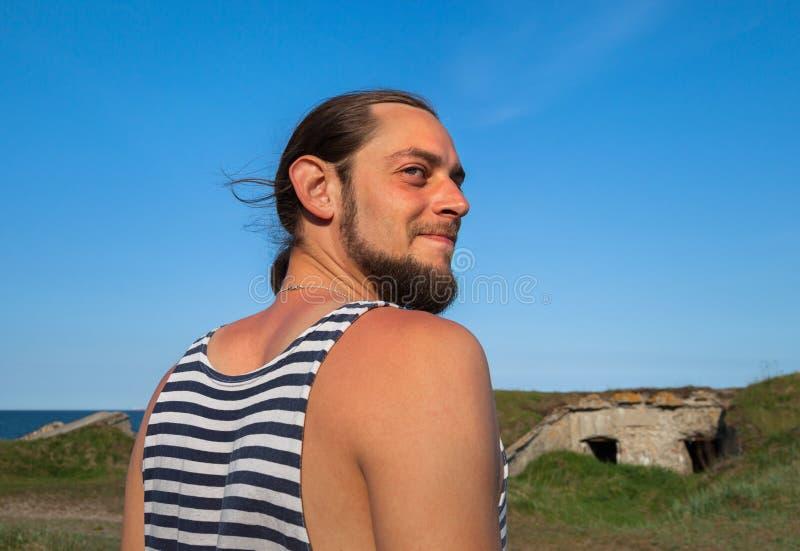 Rozochocony młody żeglarz fotografia royalty free